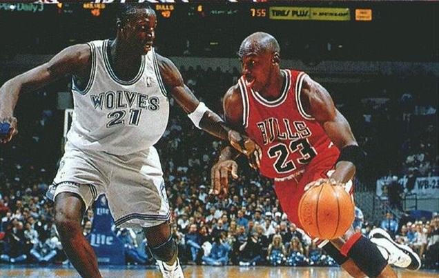 慘遭吊打!Garnett:當年我曾對喬丹噴垃圾話,結果6分多鐘從輸2分到輸25分!-籃球圈