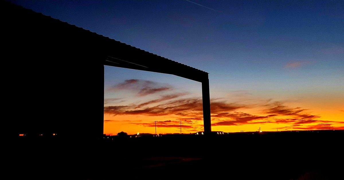 Sunset at the jobsite in San Angelo.   #sprayfoaminsulation #insulation #seacontainer #shippingcontainer #conex #metalbuilding #steelbuilding #barn #shop #barndominium #barndo #construction #farm #ranch #oilfield #oil #gas #naturalgas #windenergy #energy #sunset #Texas #SanAngelopic.twitter.com/8tkPmq0gpw