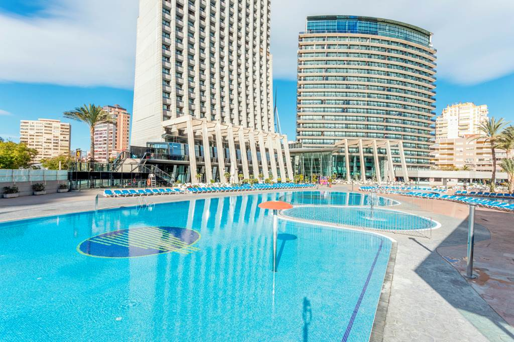 cheeky_trip: 4🌟 Benidorm All Inclusive under £150pp!!!  🤩 http://bit.ly/2upTj3I  All Inclusive 4 night break. Includes hotel & flights from £137pp  #SME #MondayMotivation #TuesdayThoughts #WednesdayWisdom #ThursdayMorning #FridayThoughts #SaturdayM…