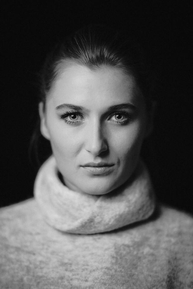 Lieben Dank an unser Model für den kleinen Ausflug ins Studio #studio #studiophotography #model #portrait #portraitphotography #femalepic.twitter.com/YA3bWpn8fX