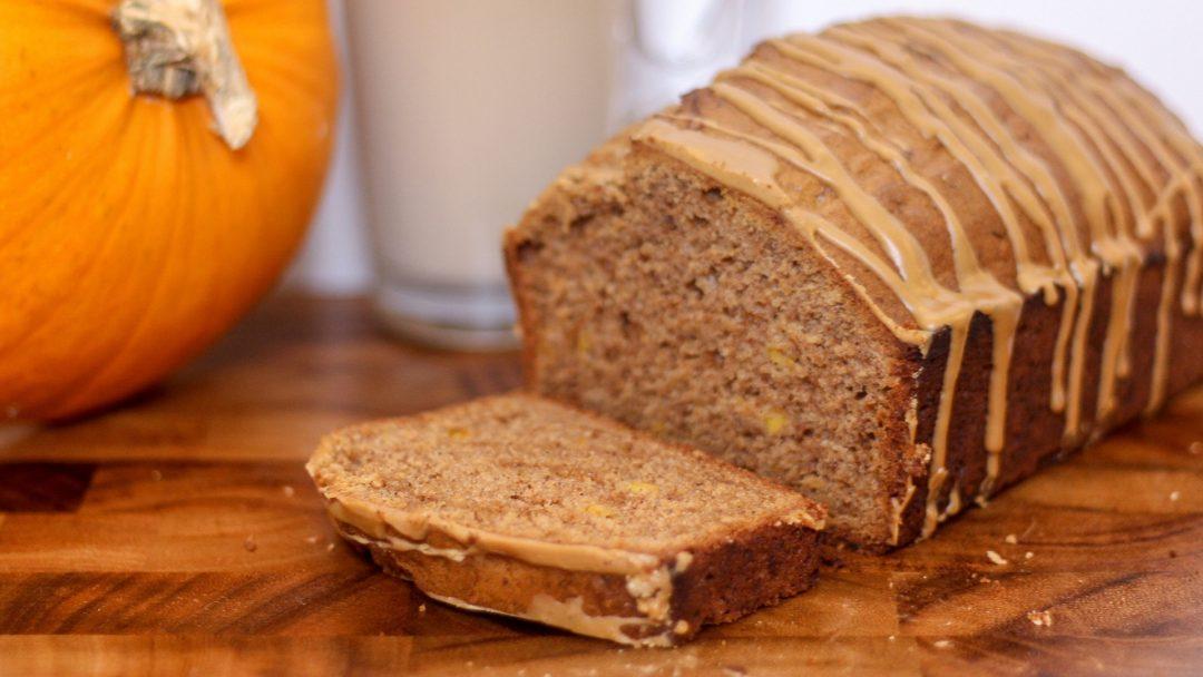 Pumpkin Spice Cake With Latte Drizzle Icing  #recipe #pumpkinspice #cake