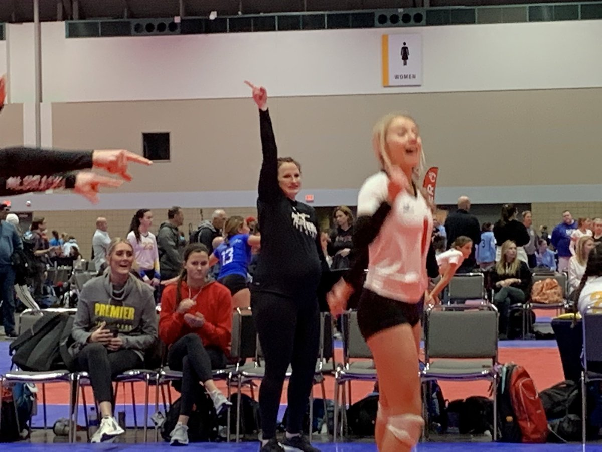 Day2 for @premier14black went 1-2. We couldn't get enough of those celebrations for the coaches. Tomorrow we need to finish strong.  #bringit #represent #foreachother @Premier_VB @TCVolleyballNITpic.twitter.com/yypeEOVBwE