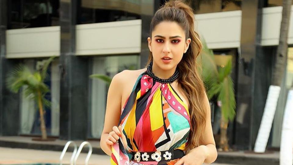 #SaraAliKhan says she's seen as 'a bit shady' at US airports. This is whyhttps://www.hindustantimes.com/bollywood/sara-ali-khan-says-she-s-seen-as-a-bit-shady-at-us-airports-this-is-why/story-WfRDktuOk0oXv3l212mZTK.html…
