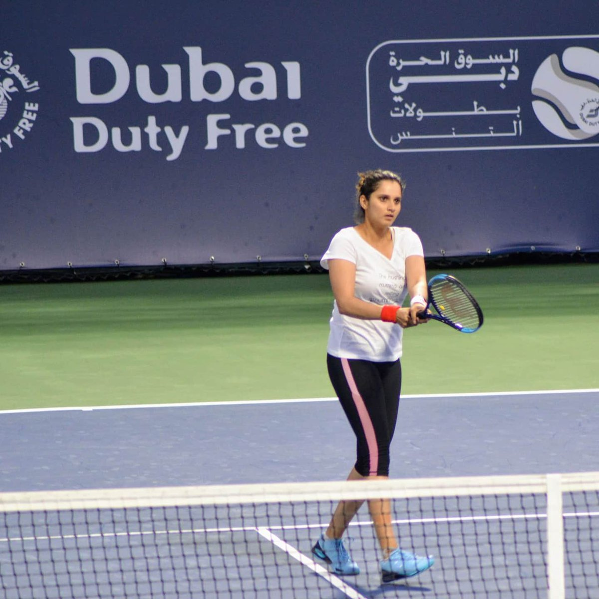 WTA Dubai - @MirzaSania has received a WC along with 🇫🇷Garcia. They will face 🇷🇺Kudryavtseva/🇸🇮Srebotnik in Round 1  Photos from her practice session, with father Imran and former Pakistani Davis Cupper Sadan Haq  📷Krishnakumar - a senior finance business leader in Dubai