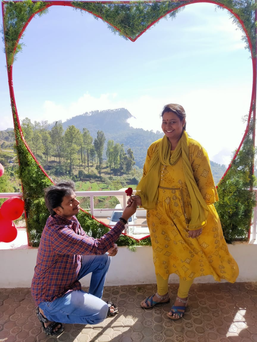 Kodaikanal's romantic backdrop was filled with more love as Country Club Valley Vista was specially decorated to celebrate Valentine's Day. It was a pleasure to see couples share their moment of love here. #ValentinesDayCelebrations #DayOfLove #CoupleGoals