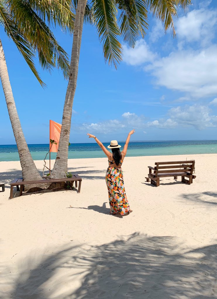 I will no longer allow the negative things in my life to spoil all of the good things i have. I choose to be Happy!! #islandlife #beachlife<br>http://pic.twitter.com/3x7h6ki9Fp