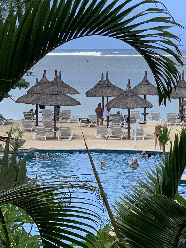 Just another day in #paradise! #sorrynotsorry                  #beautifuldestinations #relax #seaair #vitaminsea #beachwalks #luxury #indianocean #islandlife #sunnysideoflife<br>http://pic.twitter.com/QnowXyHxxE
