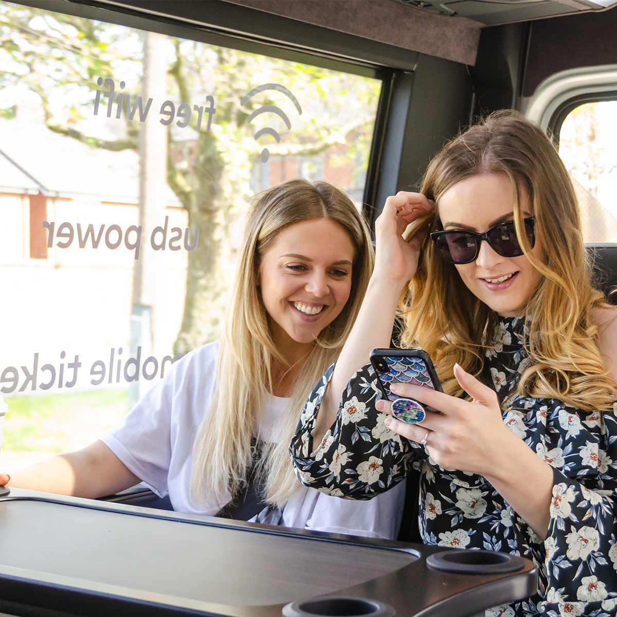 Its International Random Acts of Kindness Day! Treat someone you care about to the gift of luxury travel. ArrivaClick doesnt just have generous prices , were kind to the environment too! 🚌