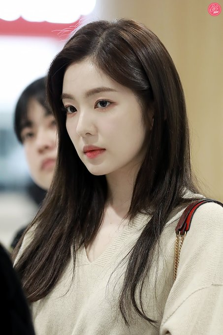"""ticuy update chara Baejoohyunews: RVsmtown [HQ] 200122 #IRENE Gimpo Airport OTW to Japan for """"LA ROUGE: Red Velvet's Japan Tour"""" in Osaka #REDVELVET  RVsmtown   © IS9194pic.twitter.com/xHbXwpu5FQ"""