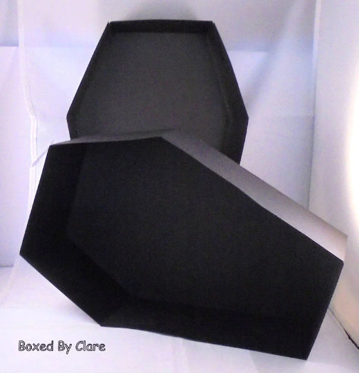 I shall be making a few of these today .... #etsy shop: Gift Box Coffin - Large Gift Box https://etsy.me/2vBOaWm  #supplies #black #yes #coffinbox #giftcoffin #halloweendecoration #allhallowseve #weddingdecor #gothicweddingpic.twitter.com/N8FXm5IoRO