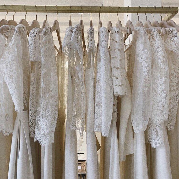 結婚願望の話は置いておきますが、死ぬまでに一度でいいから plume. さんのウエディングドレスを大好きな母と選びたいという淡い夢はあります。