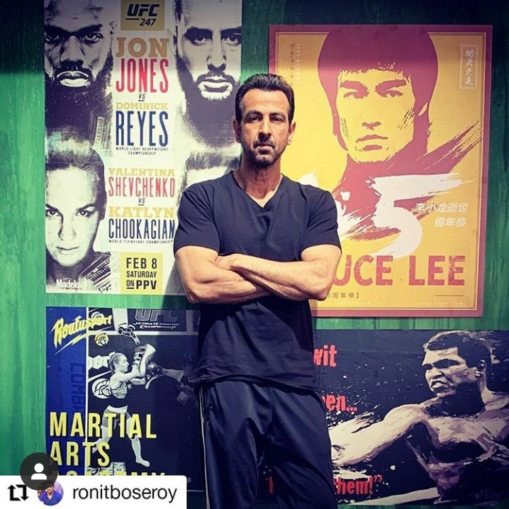 Versatile fittest and finest actor of #Bollywood #fighter unbeatable to any performance Star in serious roles...keep rocking #Rockstar #Superstar #GreatActor @RonitBoseRoy @RonitBoseRoy  pic.twitter.com/5YmKRKLbmR