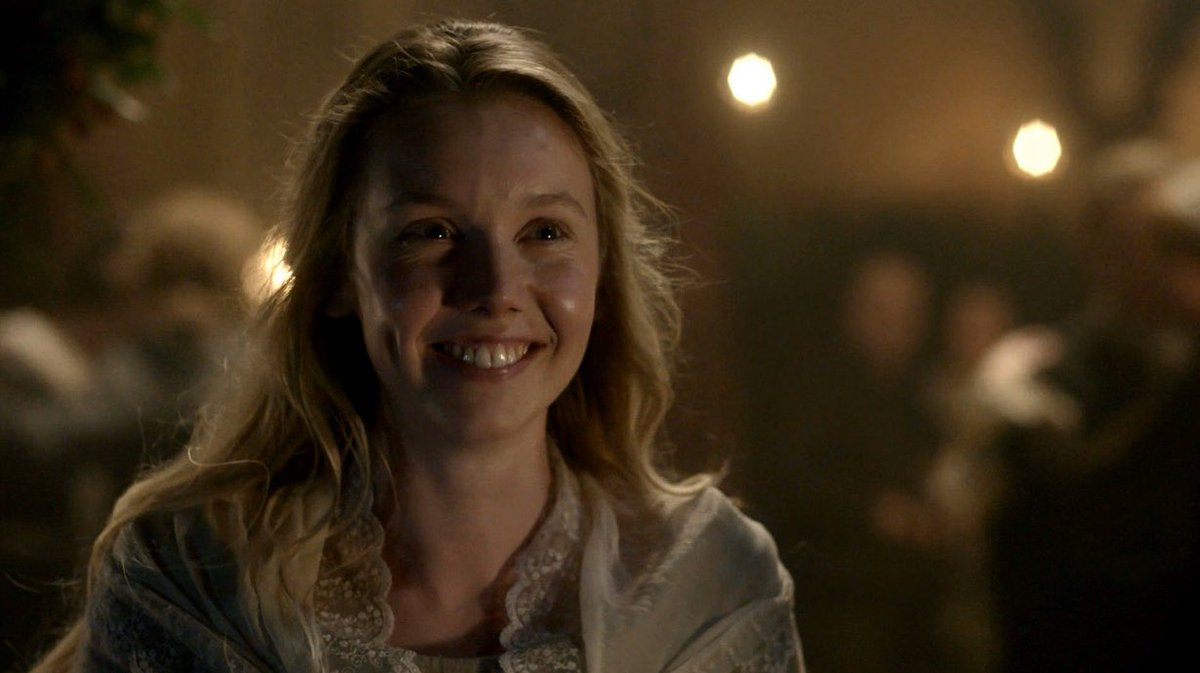 @LaurensLassies My favorite #MarsaliFraser as daughter moment was when she & Joanie get brooding Jamie to dance with them at Hogmanay. #MarsaliMoments #Outlander