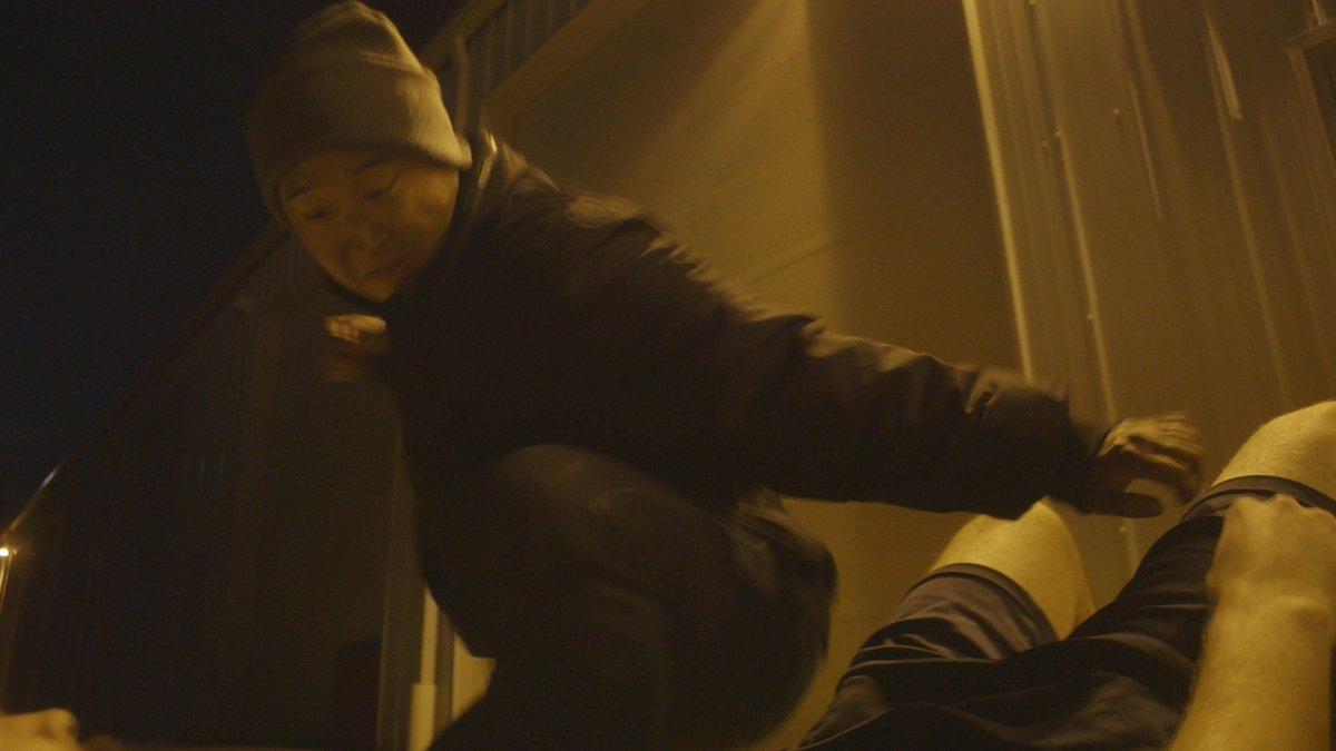 "Fight scene from new film ""Alice"" #actorslife #asianactor #actionmoviestar #asianaf #fightchoreography #stuntlife #stuntman #asianlife #stunts #stuntperformer #martialarts #koreanactor #stunt #Trendingpic.twitter.com/ItHb6NPZqT"