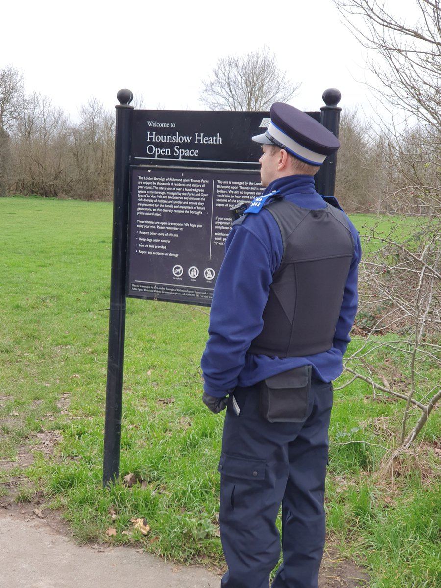 Hounslow Heath SNT officers were busy yesterday patrolling  various parts of the ward, carrying out Anti social behaviour  & drug use patrols visiting victims of motor vehicle crime.    #BeSafe #DontDoDrugs #MOTORVEHICLECRIME pic.twitter.com/54nD34gD8V
