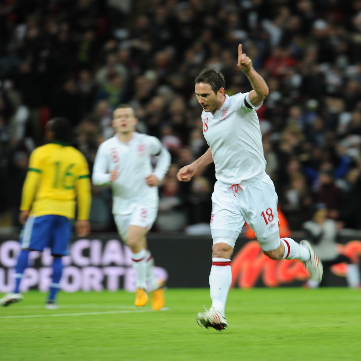 What a finish! 🤩 #OnThisDay seven years ago, Frank Lampards great strike helped the #ThreeLions to a 2-1 win against Brazil at @wembleystadium.