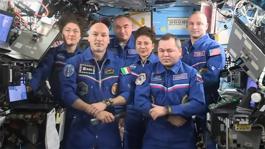 .@Astro_Luca handed over control of the station today to Oleg Skripochka. Luca returns to Earth on Thursday at 4:12am ET with @Astro_Christina and Alexander Skvortsov. @Astro_Jessica and @AstroDrewMorgan will stay in space with Skripochka. https://www.nasa.gov/live