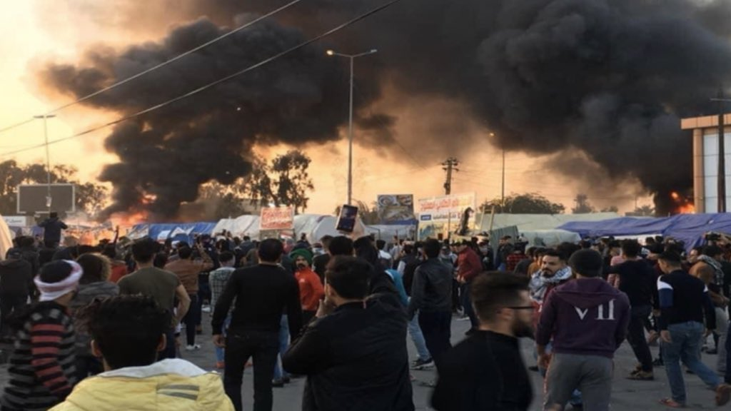 Clashes in Sadrin Square, Najaf, some tents were burned and injuries were reported