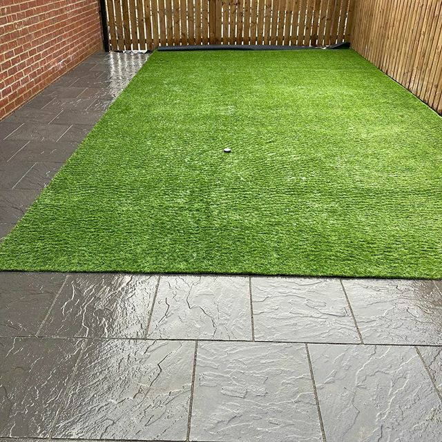 Garden finished  . . #barrattnorbury #barratthomes https://ift.tt/2SkChM9pic.twitter.com/5SFobeR10N