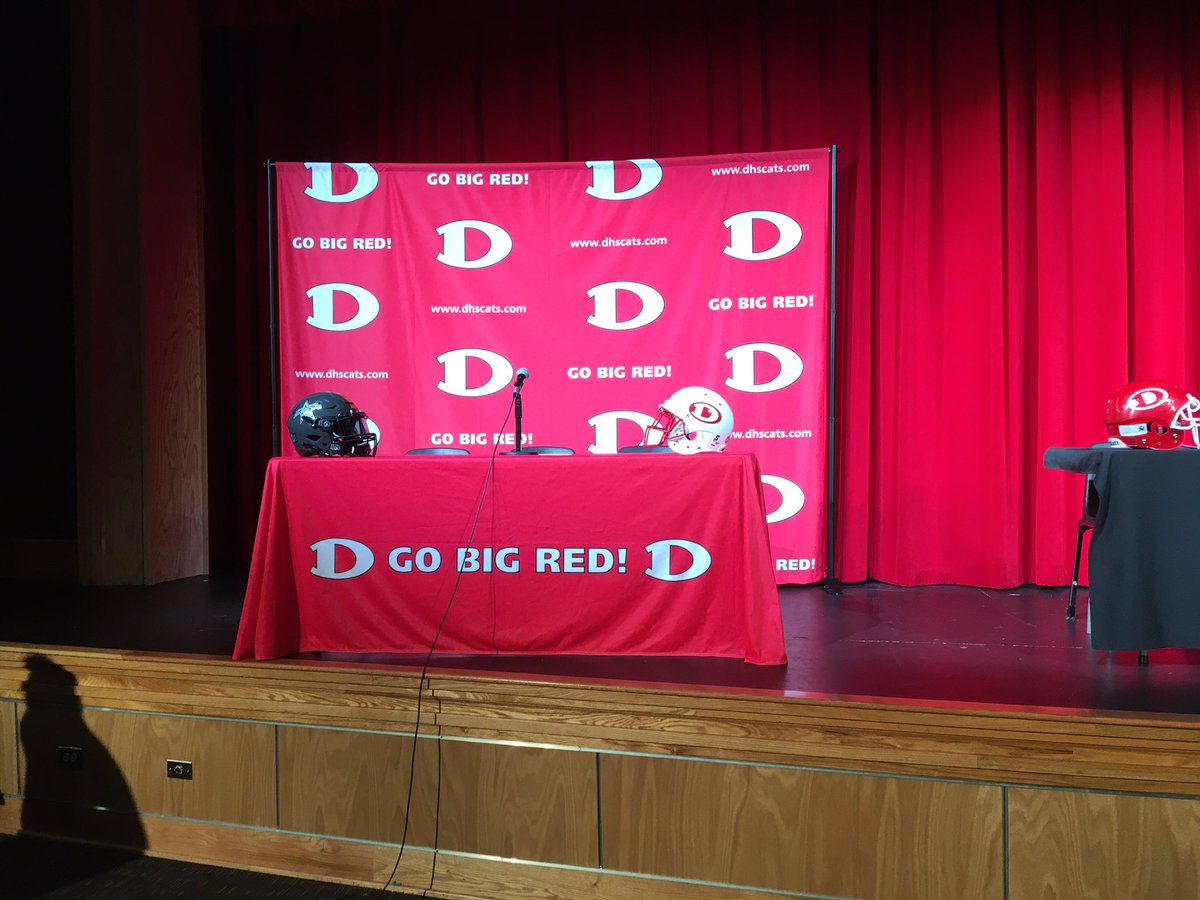 In Dalton for Jahmyr Gibbs announcement. Scheduled for 12:30. Hoping there's a media cake.