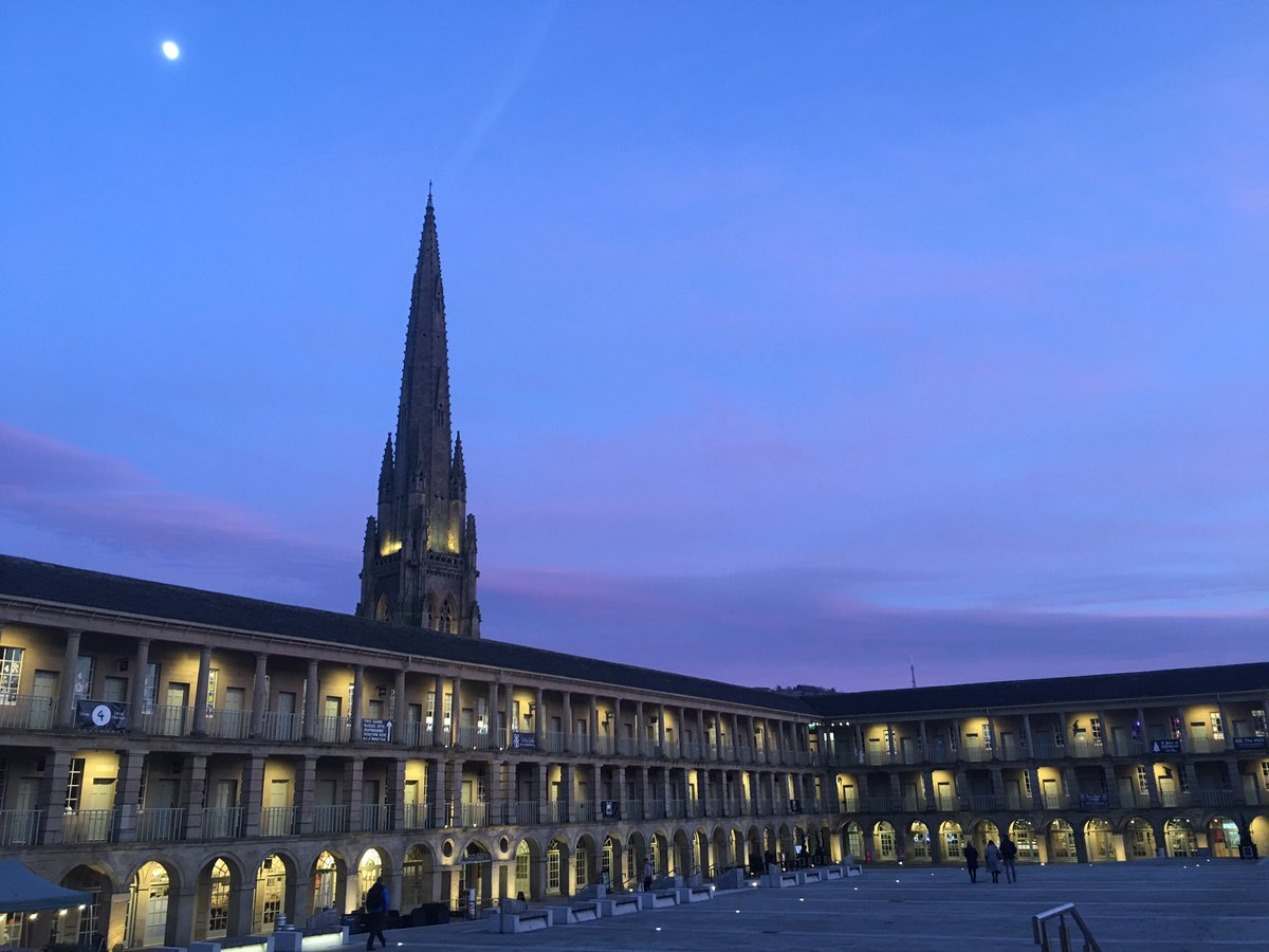 Meetings at @ThePieceHall improve any Wednesday.