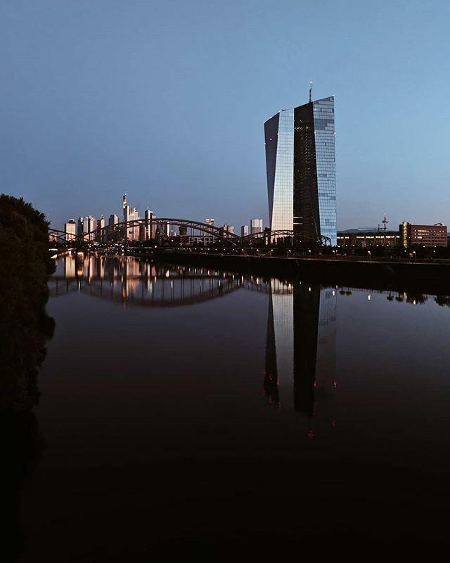 5 am.  Frankfurt am Main | Germany  #teampixel @googlepixel #madebygoogle @google @madebygoogle #picoftheday #frankfurt @frankfurt.de #frankfurtdubistsowunderbar @frankfurtdubistsowunderbar @dasechtefrankfurt #dasechtefrankfurt #ffm #wasbornforart #welov… https://ift.tt/39c4xaKpic.twitter.com/RjRJPNMhT5