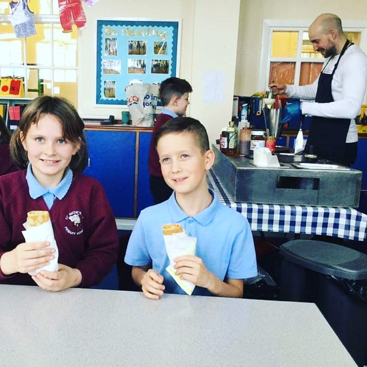 Another great session with the pupils at St Bede's RC Primary in #Jarrow : 'bravo les enfants'! 👌🏻🇨🇵  Rendez-vous with the children of @glynwoodschool next 👍🏻😉  Fancy having us visiting your school? GET IN TOUCH NOW  #Howaythecrepes #ViveLesCrepes #MFL