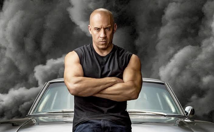 O motivo eu não sei....  Vin Diesel quer separar #VelozesEFuriosos10 em duas partes, confira: http://bit.ly/31uT17Epic.twitter.com/M5794iw5rY