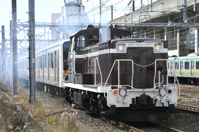 宇都宮駅でDE10を使い209系3000番台宮ハエ61編成の転線作業が行われる