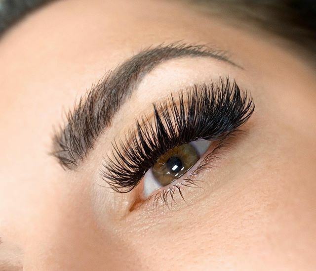 I love looking at mega volumes! They just look so pretty!  Book your appointment online with the link in our bio or text/call 925.487.9970#lashes #megavolumes #megavolumelashes #lovelashes #lashlove #beauty #lashboxla #brentwoodlashes #bayarealas… https://ift.tt/2S5bO6xpic.twitter.com/qqrlljSxPC