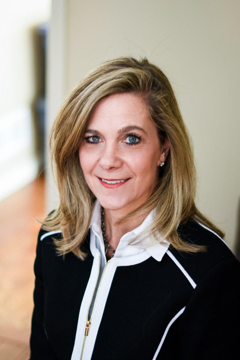Jennifer DeCubellis named CEO of HennepinHealthcare hcmcnews.org/2020/02/05/jen…