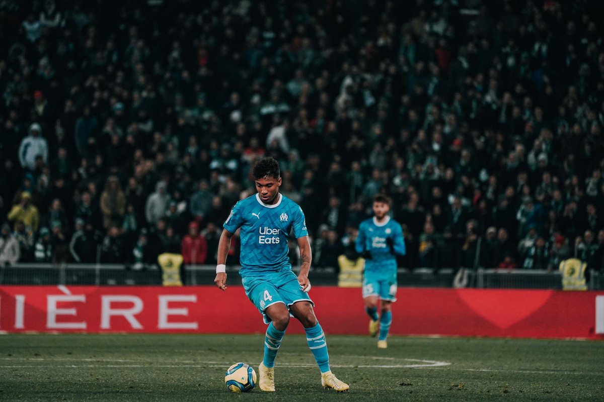 ⚽️⚽️✨ Pour nos supporters !! ⚪️Ⓜ️ #TeamOM @OM_Officiel https://t.co/zp9LUinKEP