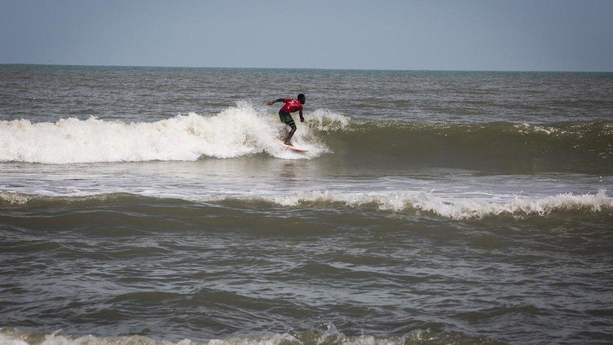 Ghana: le surf, un sport qui tend à se développer rfi.my/5KCj.t