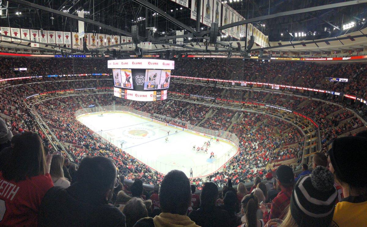 First #Blackhawks game. Big scoreboard, loud anthem, great original 6 uni matchup against Boston