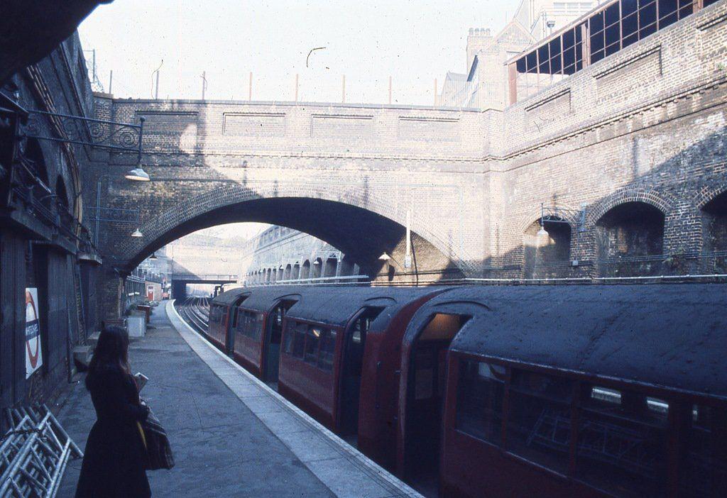 EQDyFXEWkAAisGZ - The East London Line: Ten years on...