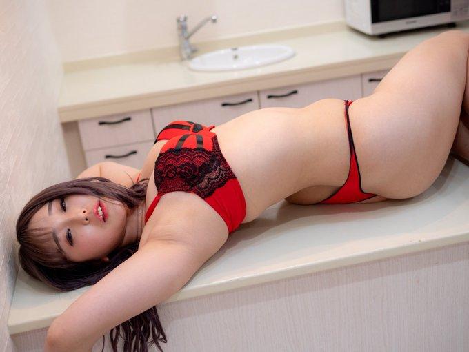 グラビアアイドル上田ミルキィのTwitter自撮りエロ画像49