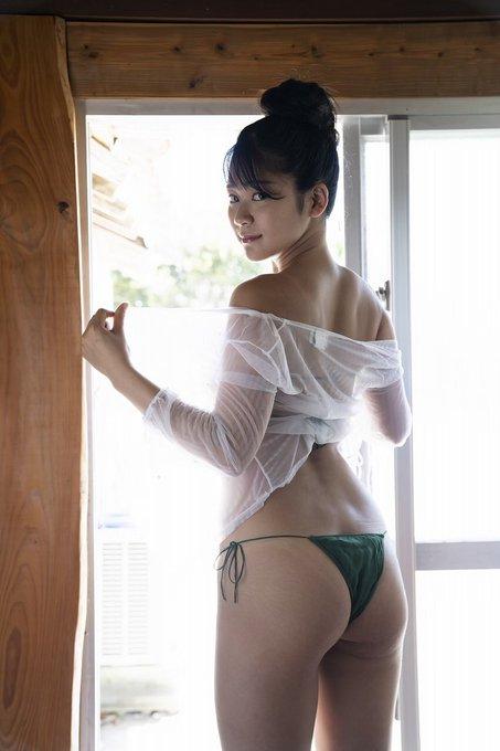 グラビアアイドル高杉杏のTwitter自撮りエロ画像22