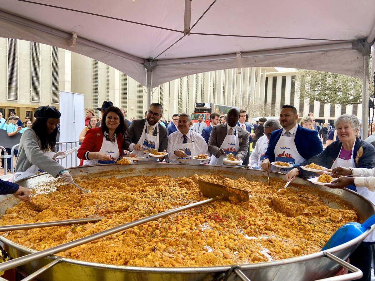 In Tallahassee for #DadeDays at the annual paella fest and meeting with Florida Legislators to advocate for important issues that impact @MiamiDadeCounty!