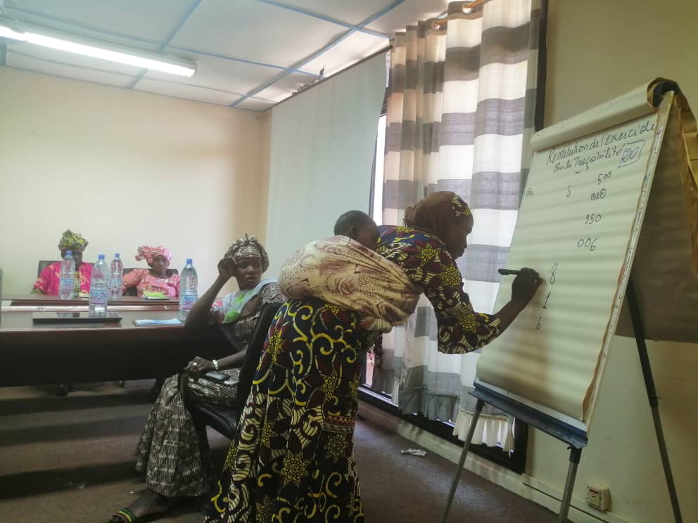 The Siguida Yeelen rice parntership in Mali undergo quality and traceability training #wheredoesyourfoodcomefrom? @IFDC @SNVworld @BoPIncpic.twitter.com/6RGCtdeTal