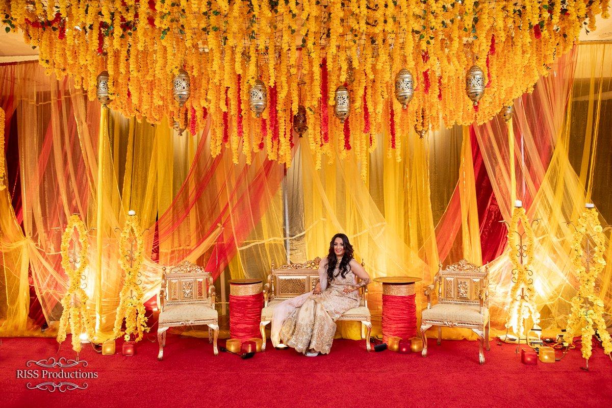 Mehandi Anna Chugh by @TMEvents3  #tajmahalevents #mehndihenna #henna #hennanight #mehendi #sangeetoutfit #sangeetnight #wedding #events #eventprops #eventplanning #eventplanner #eventmanagement #preweddingfunctions #decor #colorfulltheme #sydneywedding https://tmevents.com.au/pic.twitter.com/1F6RvS7Z0J