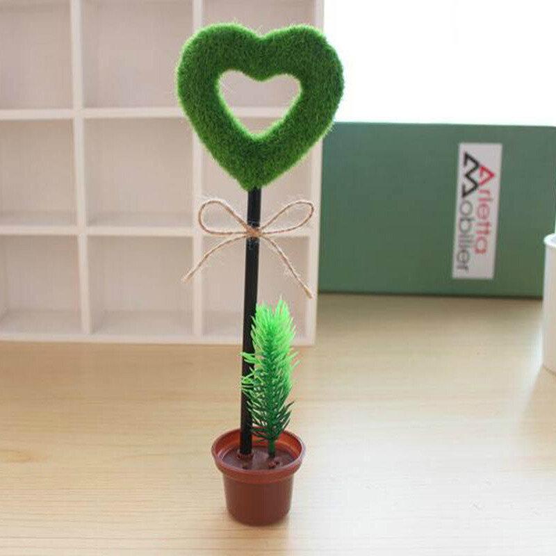 Напишите валентинку от руки, такой сувенир в виде сердца подойдёт на 14 февраля и просто на каждый день.  Ручка шариковая Garden Сердце   #follow4like #razverni #amazing #магазинподарков #подарок #необычныйподарок #лучшийподарок #разверни