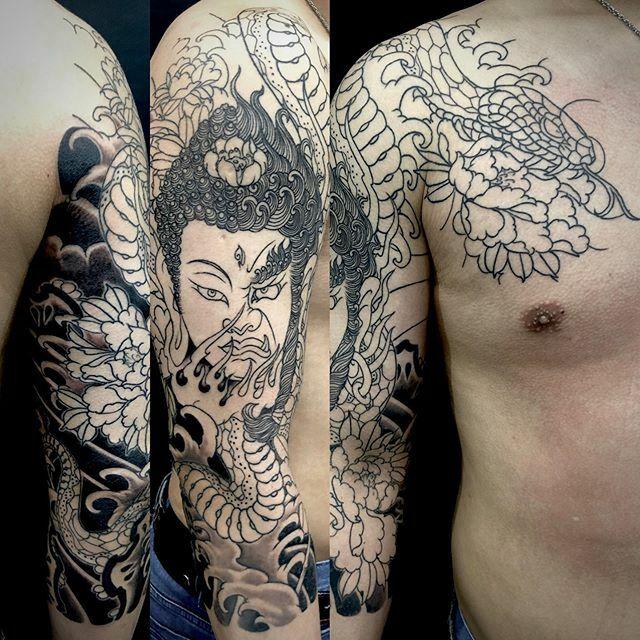 #如来 #明王 #nyorai #myoo #蛇 #牡丹 #snake #peony . . . #tattoo #reikotattoo #studiokeen #japan #nagoyatattoo #irezumi #タトゥー #刺青 #名古屋 #大須 #矢場町 https://t.co/WTj7A3rzvL https://t.co/nidaQrNhEG