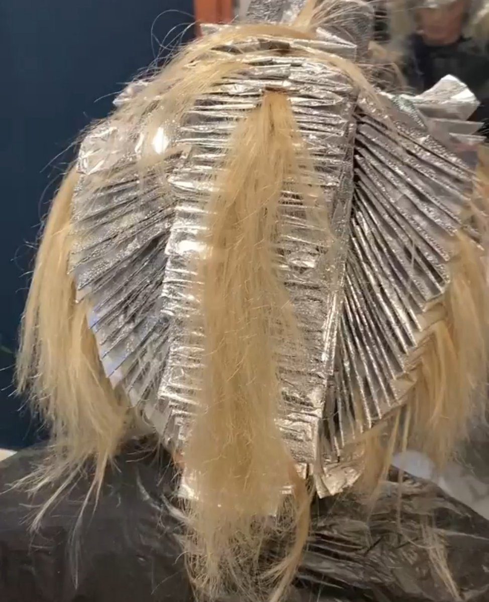 How many foils!? How neat!? Awesome foilage!!   @ jason anthony hair in Bourne using FOILBOSS foils pic.twitter.com/gcrrv9aw6u