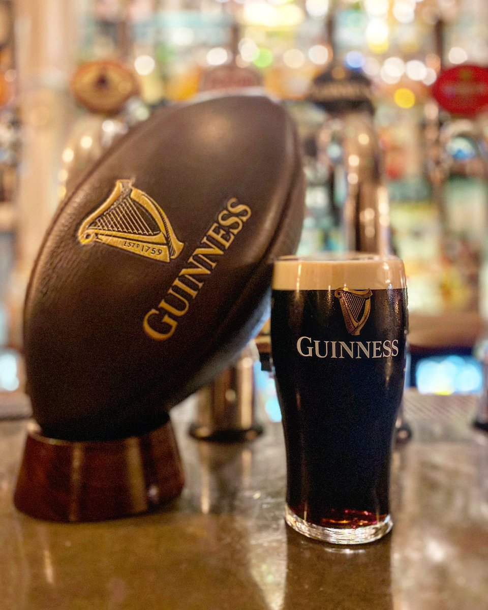 Remember to book your table with us to receive a free round of Guinness on us this weekend! C'mon 6 Nations https://t.co/lXhdXr7TPv