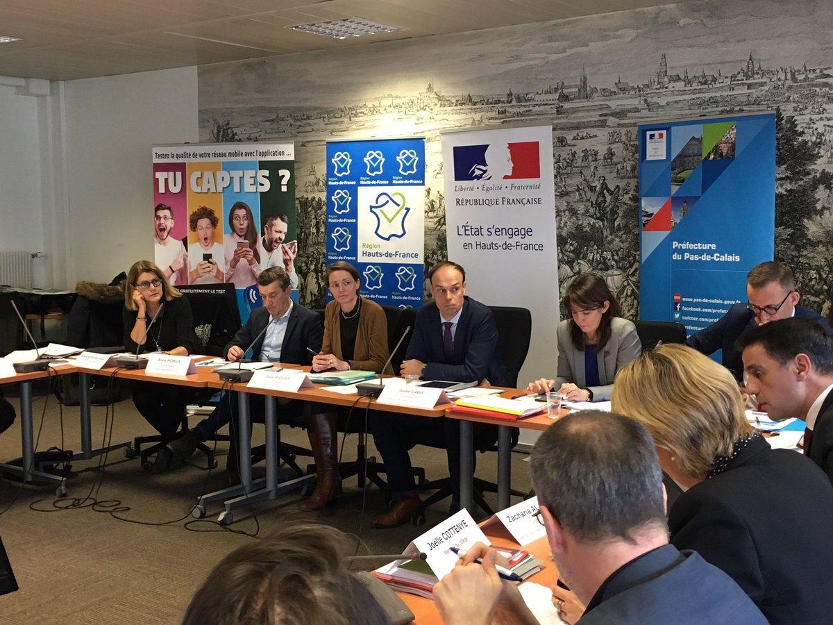 Très haut débit, téléphonie... Les acteurs du #numérique en #hautsdefrance sont réunis à #Arras pour la conférence régionale de stratégie numérique. https://t.co/EIg8jYD7TE