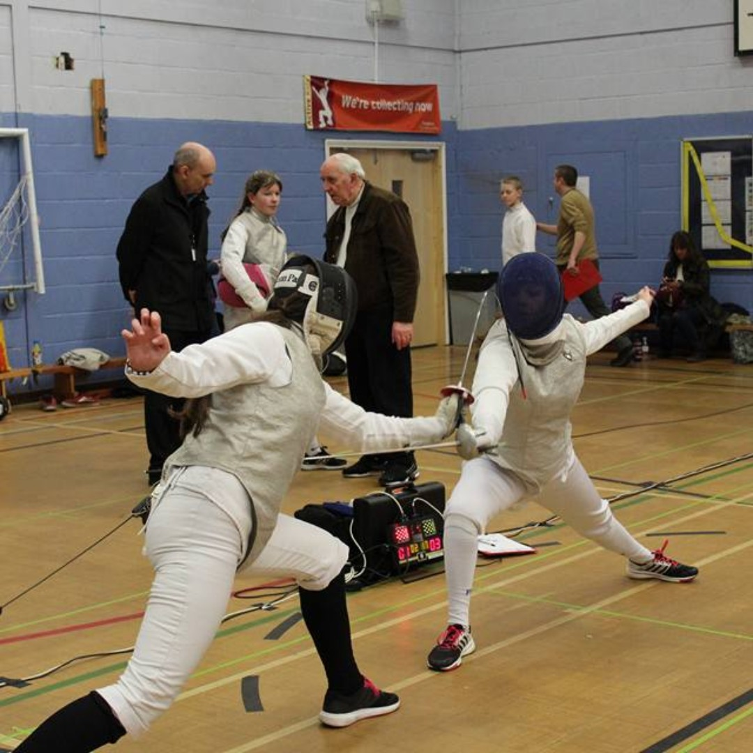 It's throwback Thursday time! This one is from the East Midlands qualifying event for the British Youth Championships in 2016. This year's is on the 8th of March.  #fencingclub #epee #foil #sabre #fencingtime #fencer #fencingclub #épée #tbt #throwbackthursday #nottingham #saberpic.twitter.com/vWWZho3jSD
