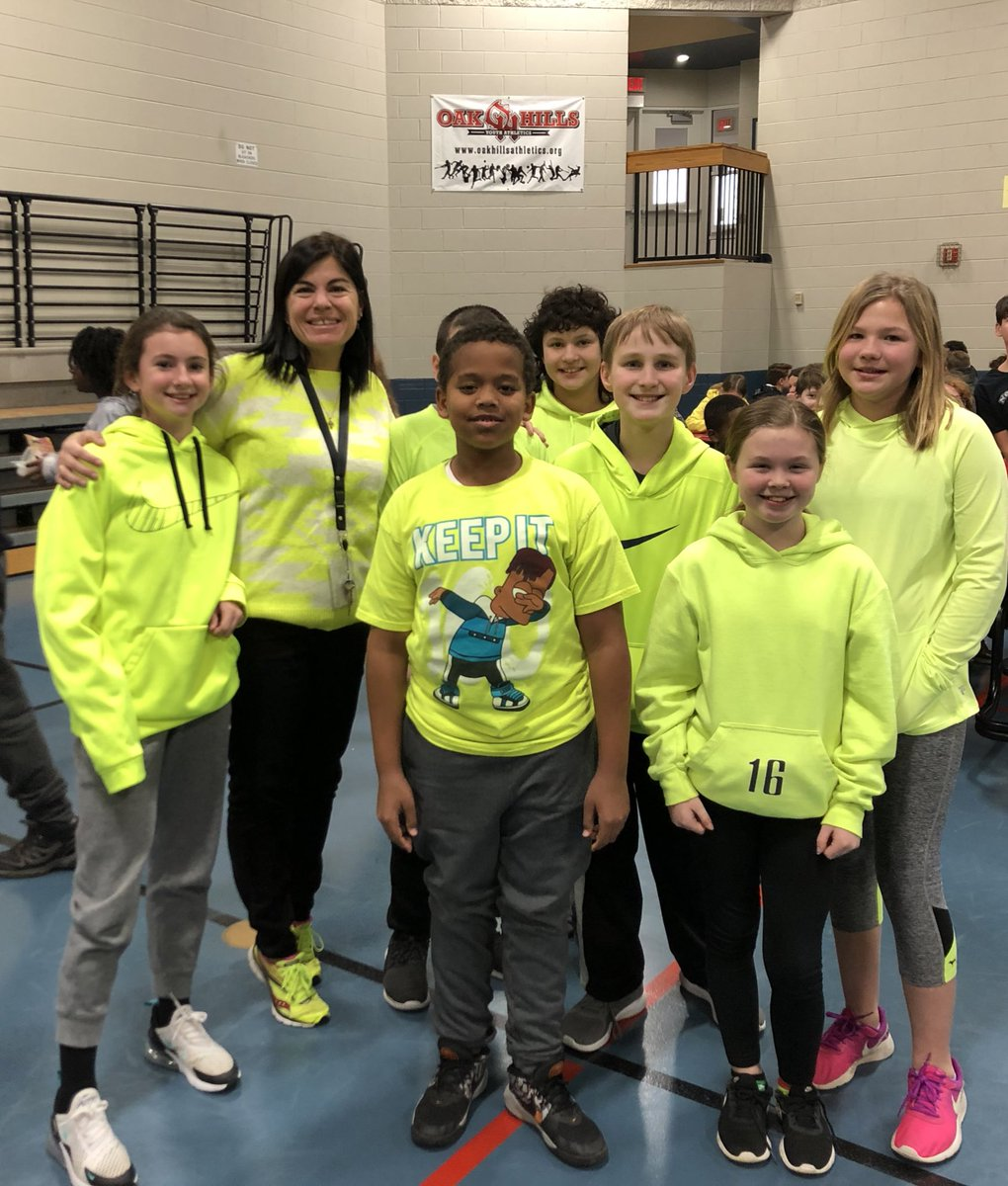 Sporting yellow to support the fight against childhood cancers! @BridgetownMS #OHBMSBest
