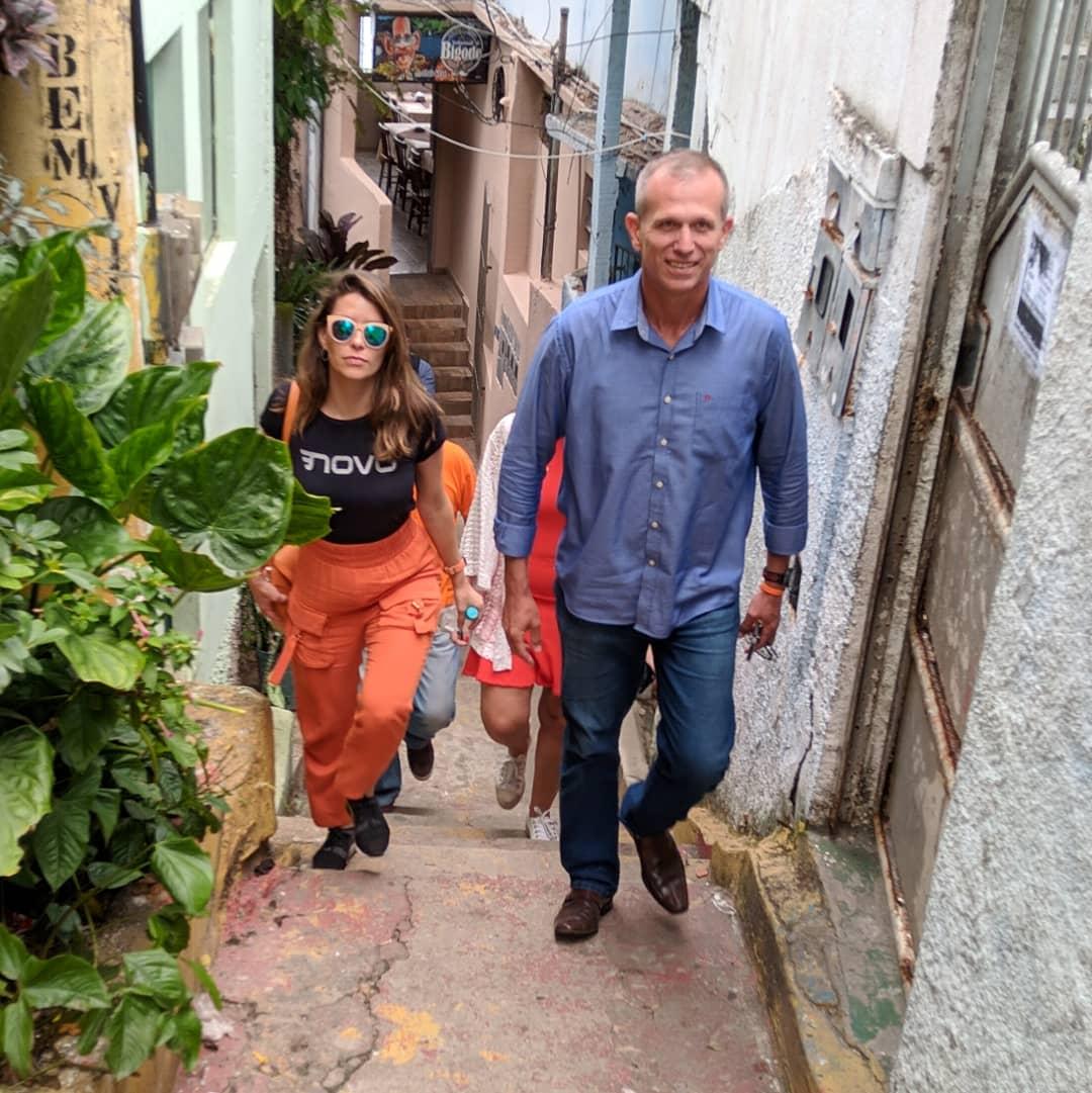 Em visita ao bairro Jesus de Nazareth, acompanhado pela Deputada Distrital @julialucy, estivemos com nossos amigos do @restaurantedobigode, especialistas na tradicional moqueca capixaba. #Vitóriaparatodos #gastronomiacapixaba #Novo30 #saltonapolítica pic.twitter.com/E3vcuUdGal