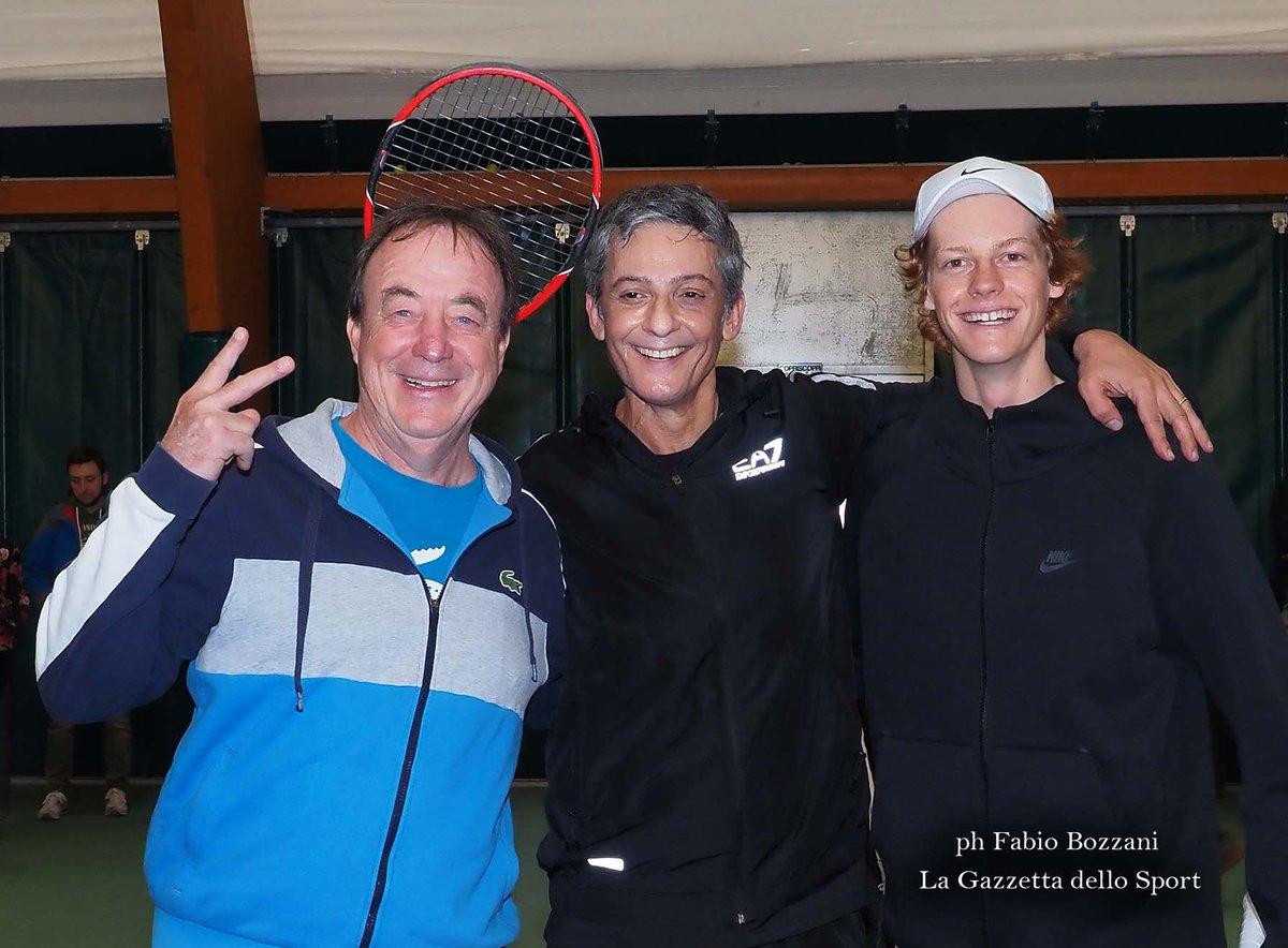 Benvenuto @Fiorello 👋 A very good hitting partner for @janniksin 🎾 right @RPiatti ??? https://t.co/bXcaeuDbGB