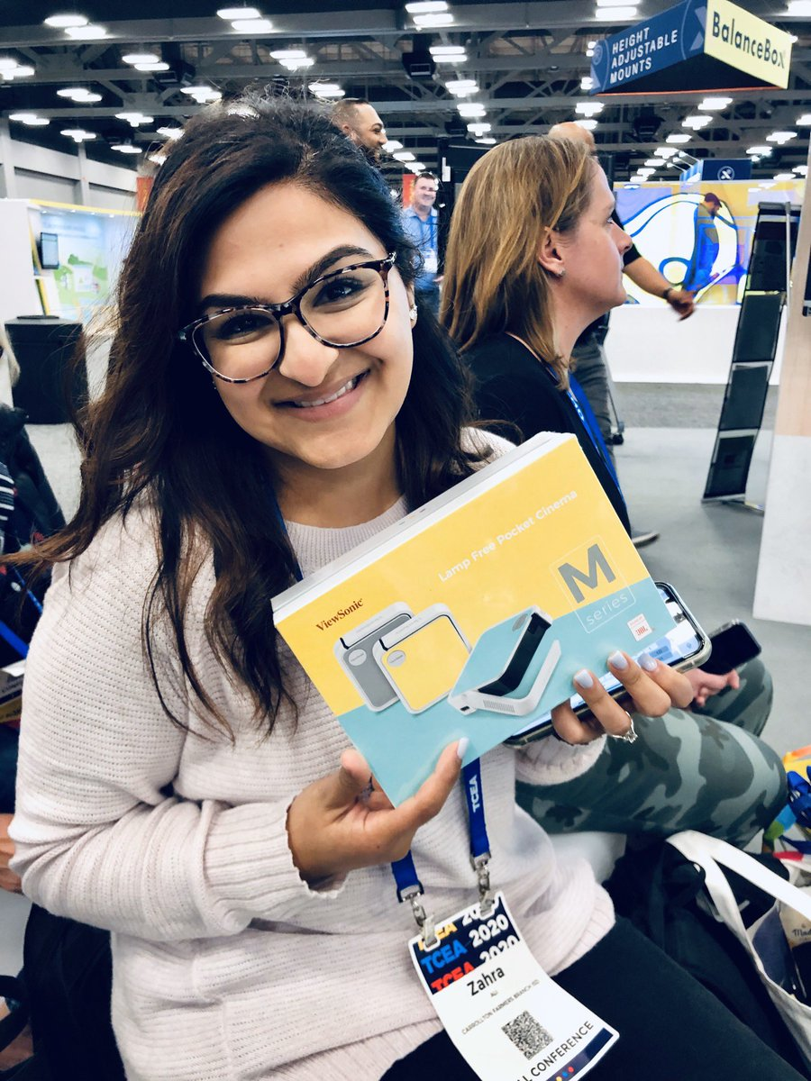Yay! Can't believe I won the raffle!! Thanks @ViewSonic @TCEA @CFBDLS #TCEA2020 #viewsonic